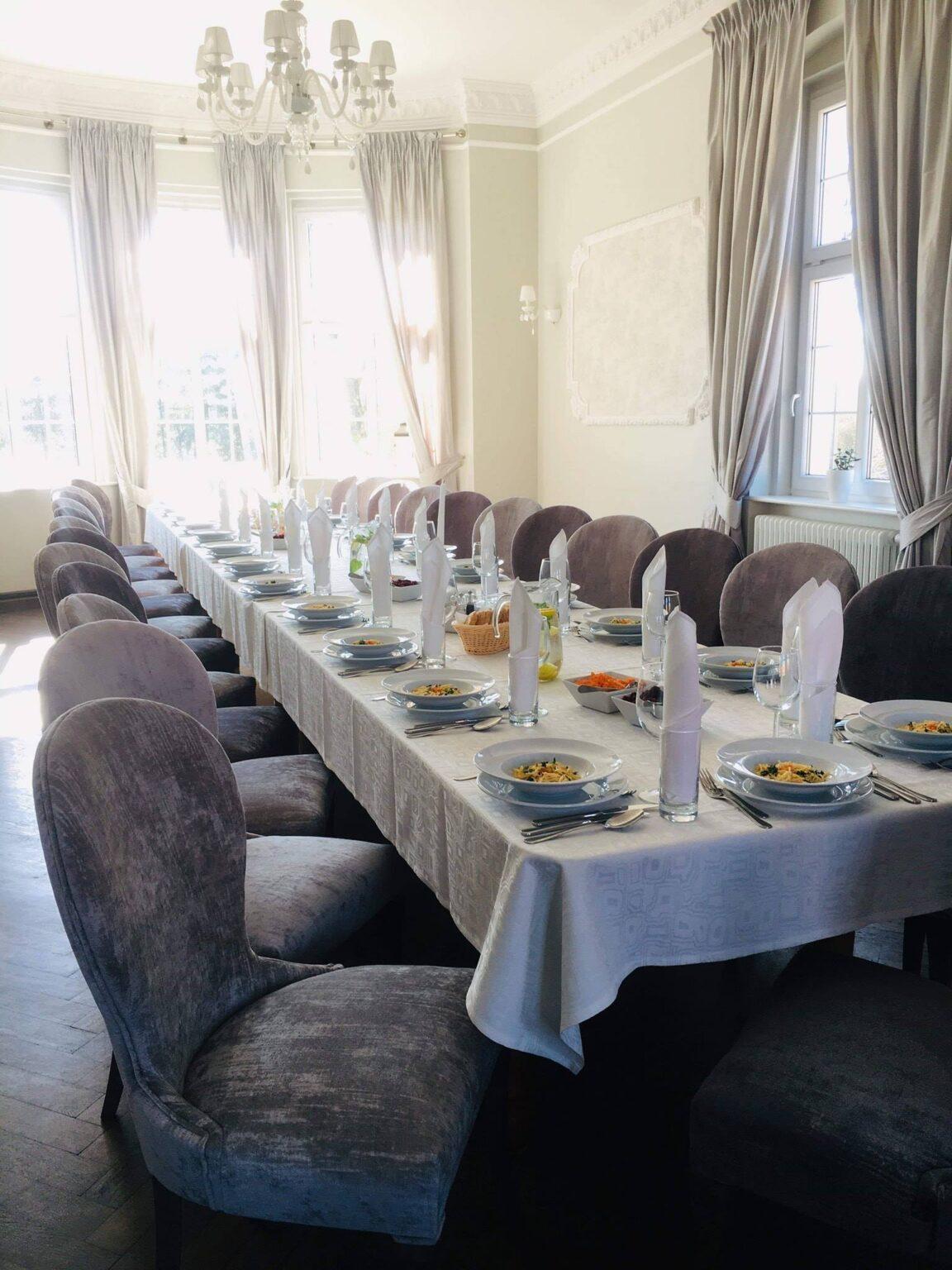 Hotele i restauracje 17