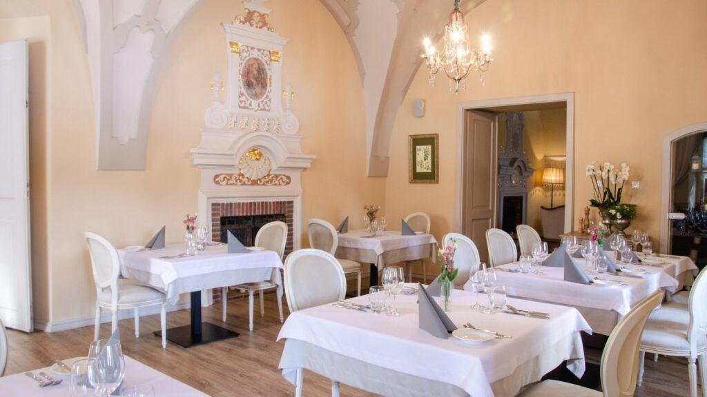 Hotele i restauracje 14