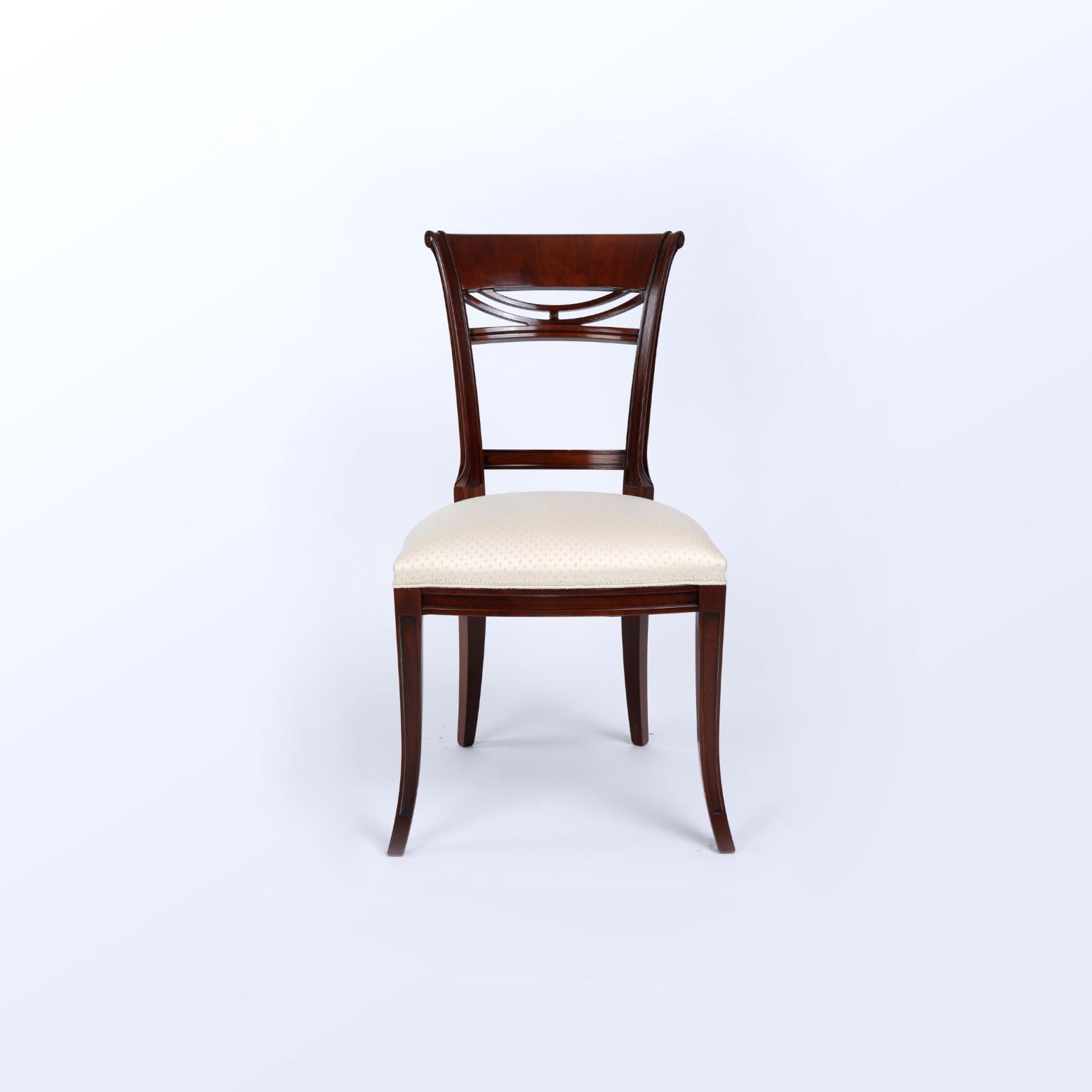 Krzesła 28