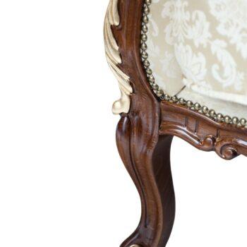 Stylowy Fotel Cleopatra z płatkami złota
