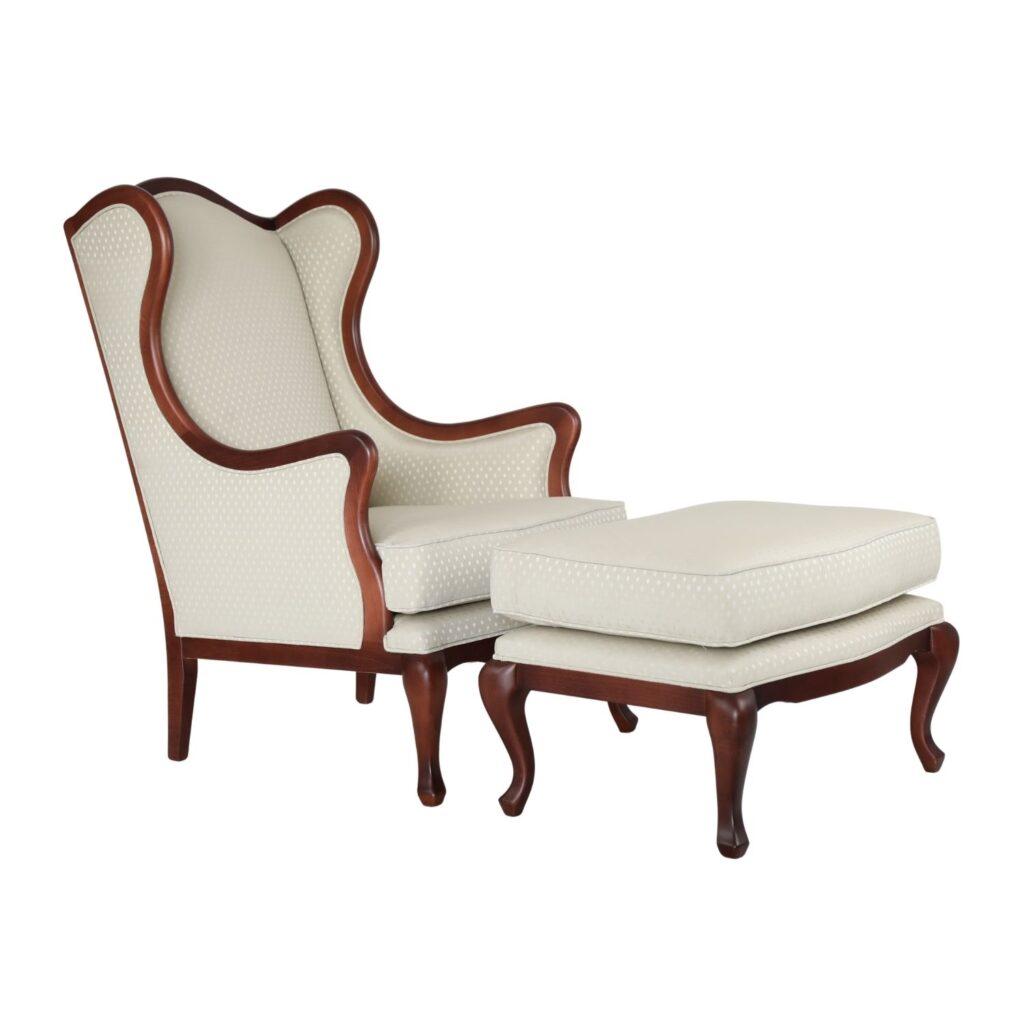 Klasyczny Fotel Uszak z Podnóżkiem